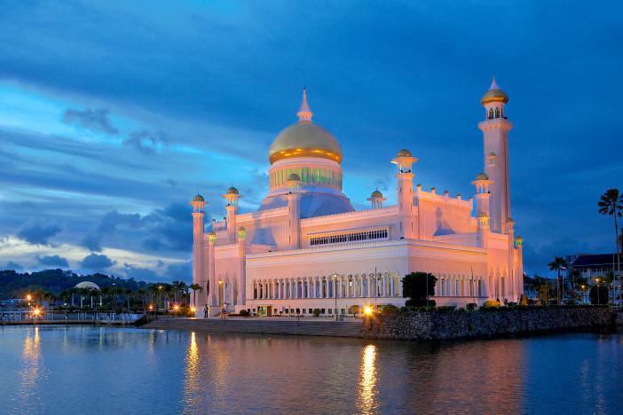 Sultan.Omar.Ali.Saifuddien.Mosque.original.6591.jpg