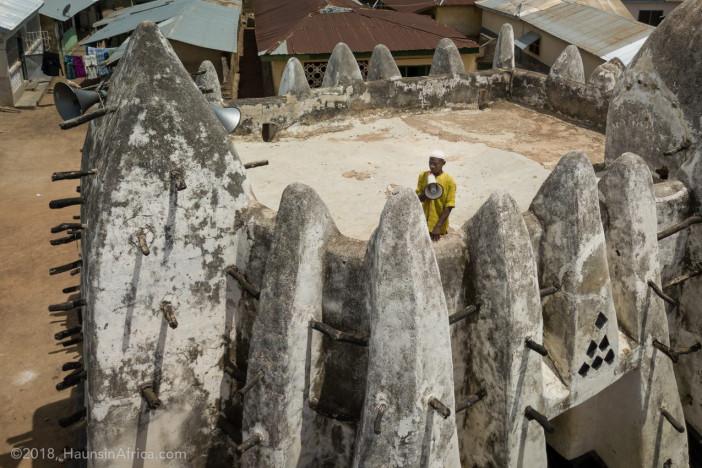 20180430-whaun-bole-historic-mud-mosque-northern-ghana-0841-1275x850.jpg