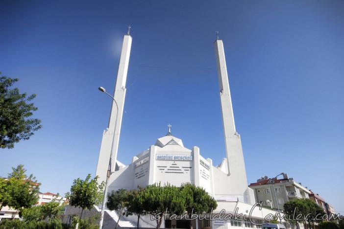 medine-mescidi-camii-modern-kayisdagi-minare-kubbe-1200x800.jpg