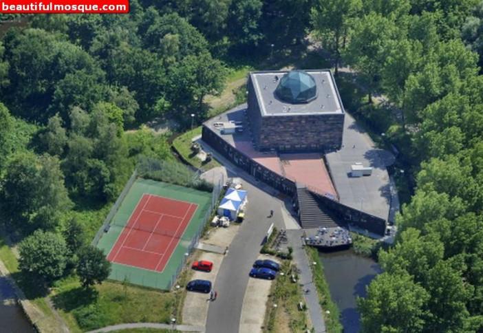 Selimiye-Mosque-in-Haarlem-Netherlands.jpg