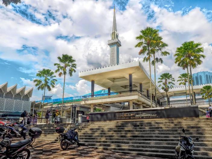 Malaysia-Kuala-Lumpur-National-Mosque.jpg
