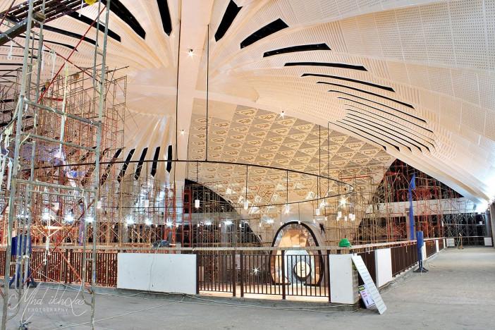 Pengerjaan_interior_Masjid_Raya_Sumbar_1.jpg