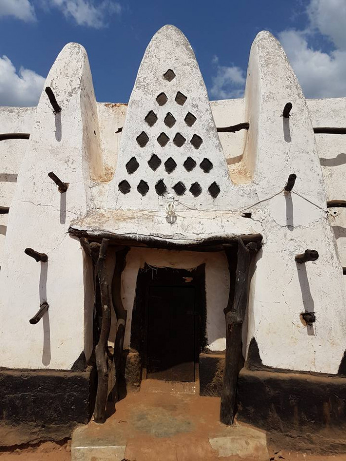 Larabanga-mosque-ilmfeed-2.jpg