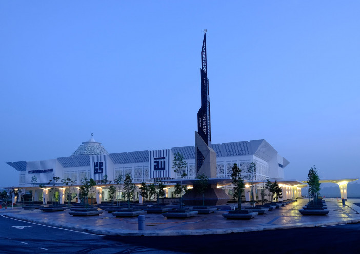 Night view from front.jpg