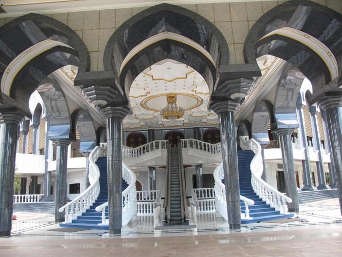 Sultan.Omar.Ali.Saifuddien.Mosque.original.17154.jpg