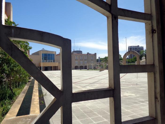 1365px-Mezquita_Centro_Cultural_Islámico_Rey_Fahd_Buenos_Aires_04.jpg