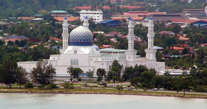 Kota-Kinabalu-City-Mosque-photo-Leif-Almo.jpg