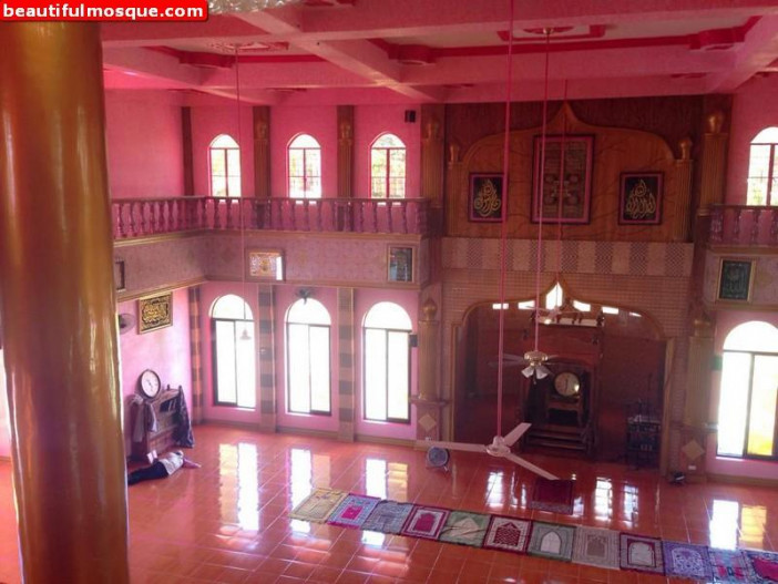 Pink-Mosque-in-Maguindanao-Philippines-0.jpg