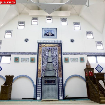 Selimiye-Mosque-in-Haarlem-Netherlands-07.jpg
