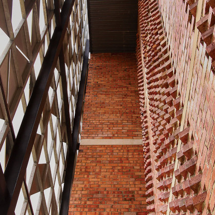 design-and-architecture-masjid-daing3.jpg