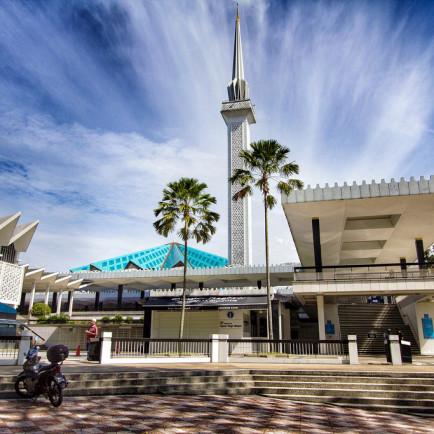 masjid-negara-kuala-lumpur-malaysia-1.jpg