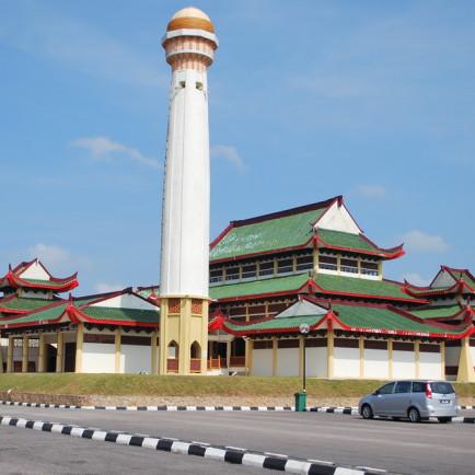 110214fb 07 Masjid IIIBangsa RP.JPG