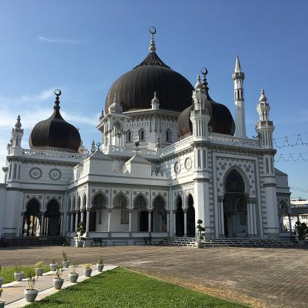 1200px-MasjidZahir.jpg