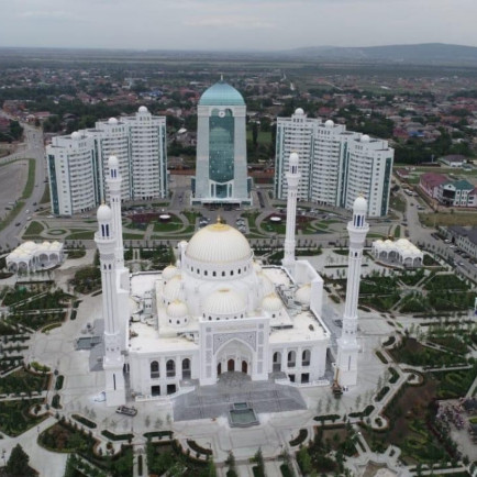 Saudi-Arabias-Delegation-to-participate-in-Opening-the-Largest-Mosque-in-Europe-1200x900.jpg